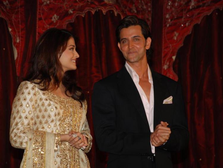 Hrithik Roshan and Aishwarya Rai Smiling Face Still