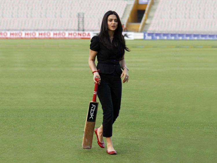 Preity Zinta On Field With Bat