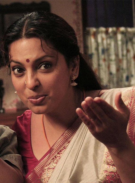 Juhi Chawla Cute Look Film Pic