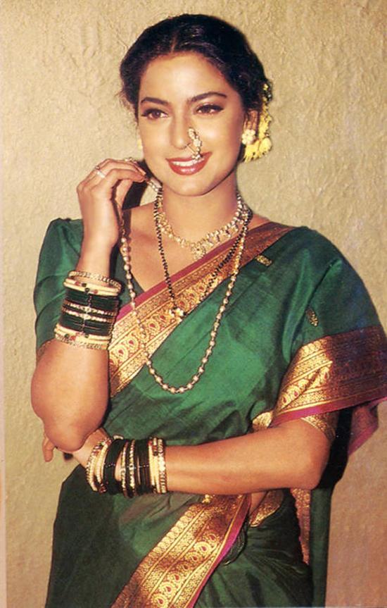 Juhi Chawla Green Saree Still
