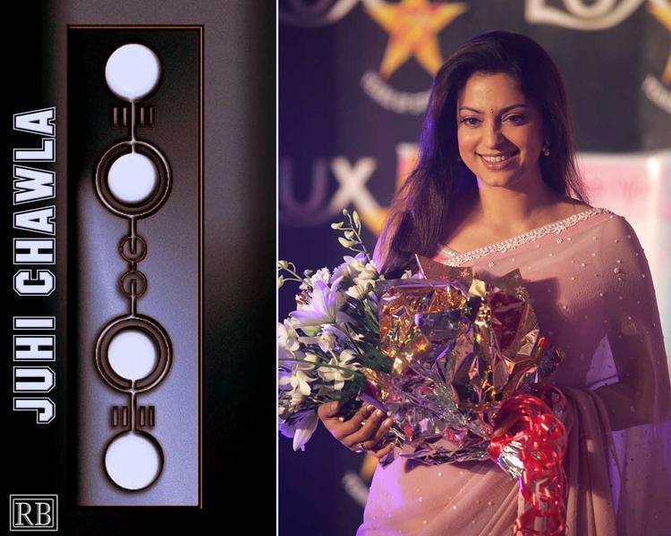 Juhi Chawla Smily Face Look In Saree