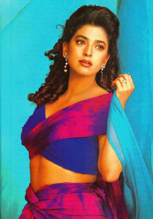Sexiest Juhi Chawla Wallpaper