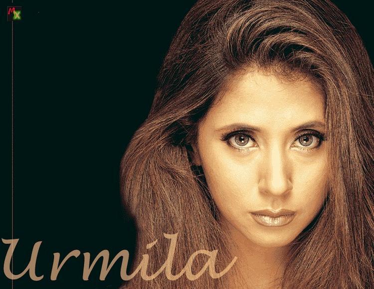 Urmila Matondkar Cute Face Hot Look Wallpaper