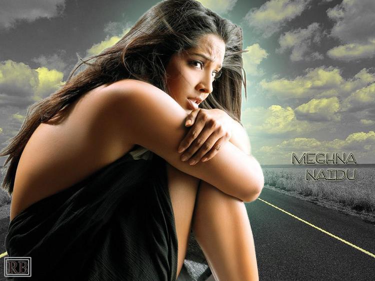 Meghna Naidu Spicy Back Bare Still