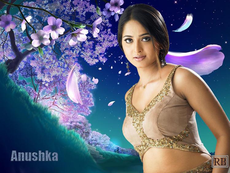 Anushka Shetty Romantic Face Look Wallpaper