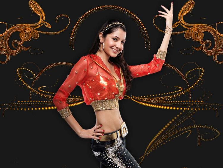 Anushka Sharma Dancing Pose Image