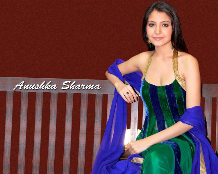 Anushka Sharma Hot Wallpaper
