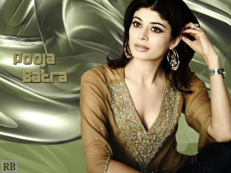 Pooja Batra Dazzling Face Look Wallpaper