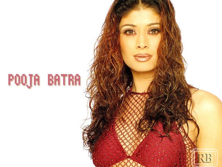 Pooja Batra Sexy And Hot Look Wallpaper