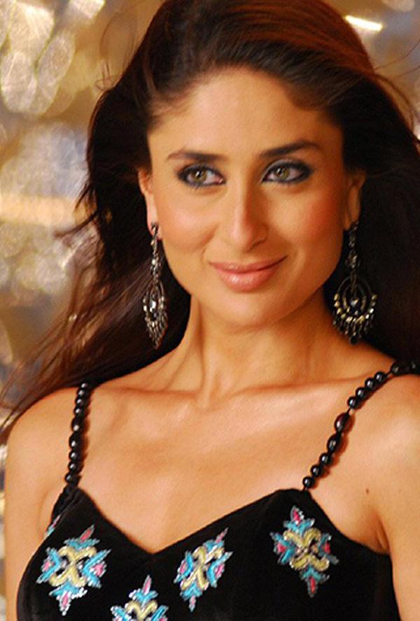 Kareena Kapoor Nagara Song Still In JWM