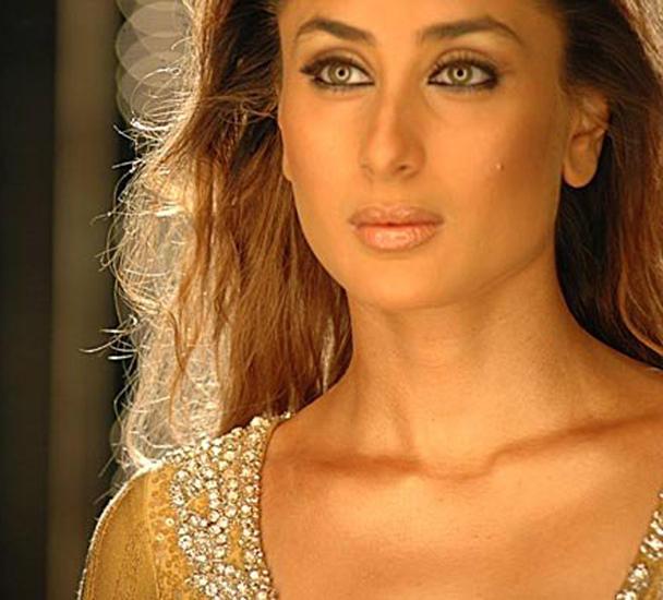 Kareena Kapoor Sexy Eyes Gorgeous Still