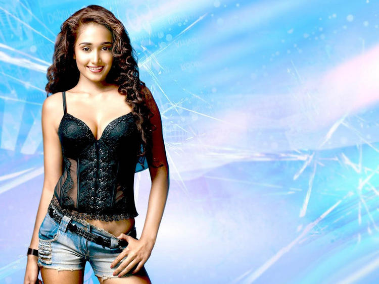 Jiah Khan Dazzling Look Wallpaper