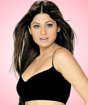 Sexy Bollywood Diva Shamita Shetty Pic