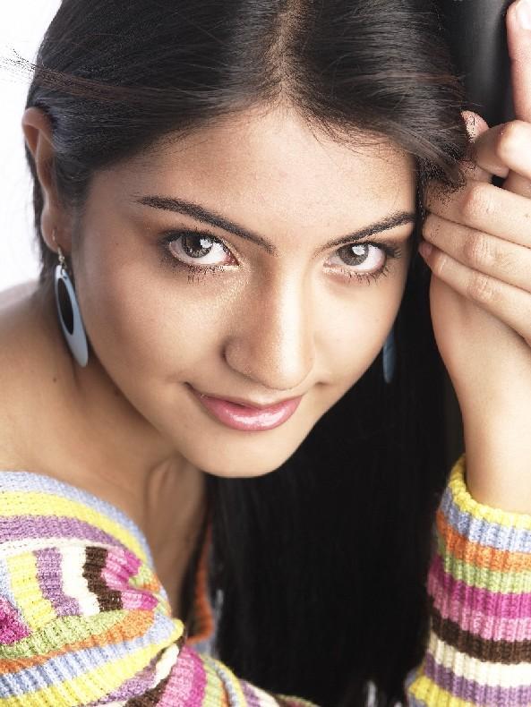 Anushka Sharma Beautiful Eyes Look
