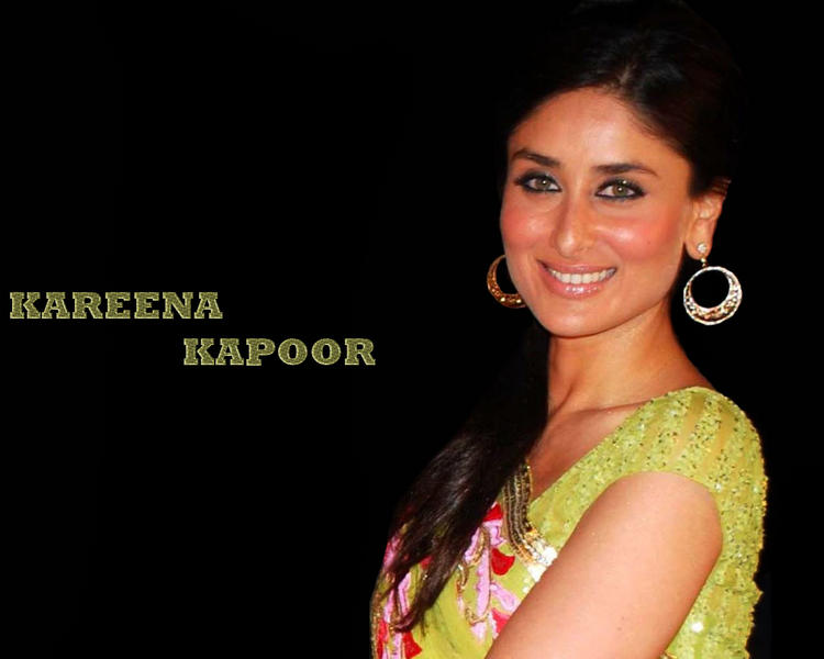 Glam Babe Kareena Kapoor Sweet Wallpaper