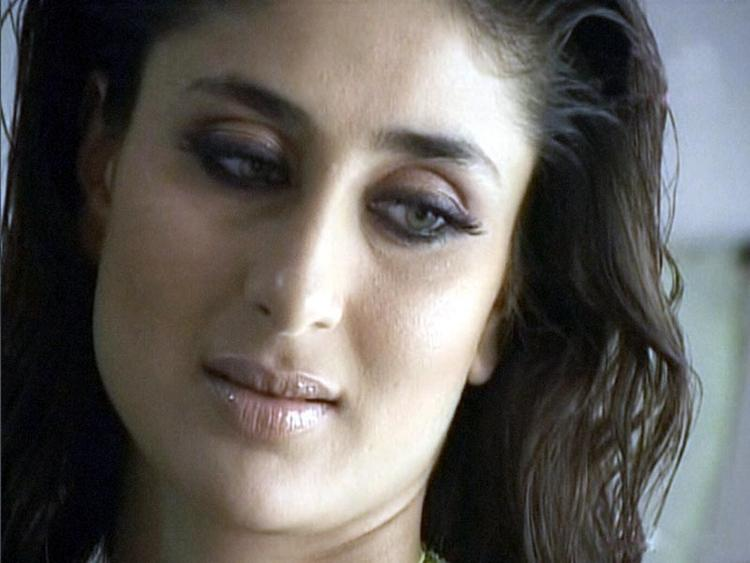 Kareena Kapoor Beautiful Eyes Look Pic