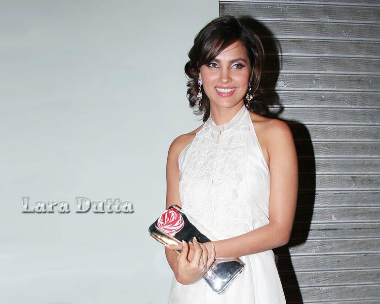Lara Dutta White Dress Glamour Wallpaper