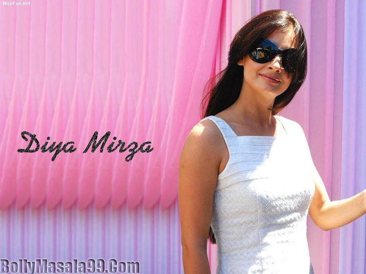 Diya Mirza Hot Stylist Stunning Wallpaper Wearing Goggles