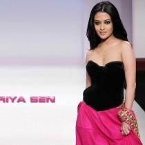 Riya Sen Open Boob Show Sexy Wallpaper