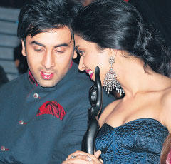 Ranbir Kapoor and Deepika Discussion Photo
