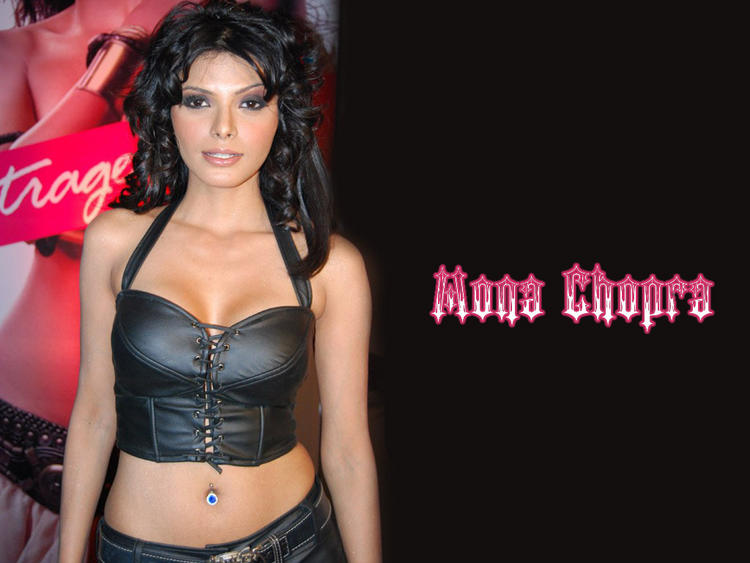 Mona Chopra Black Dress Glamour Wallpaper