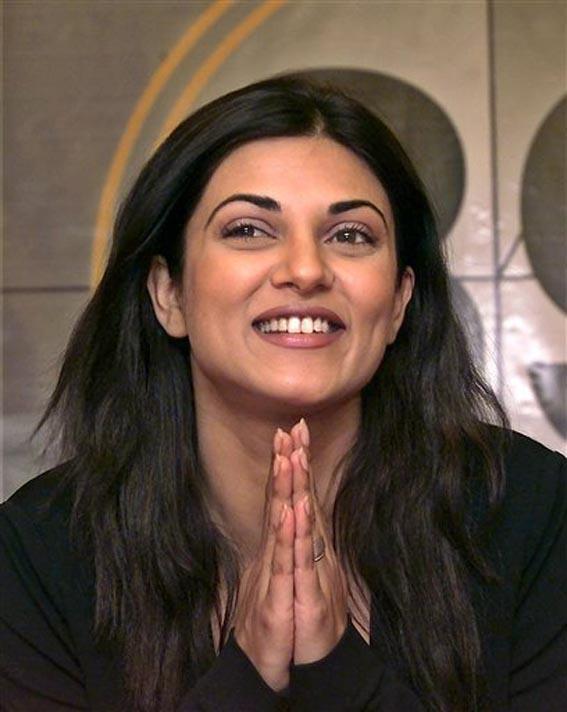 Smiling Beauty Sushmita Cute Smile Still