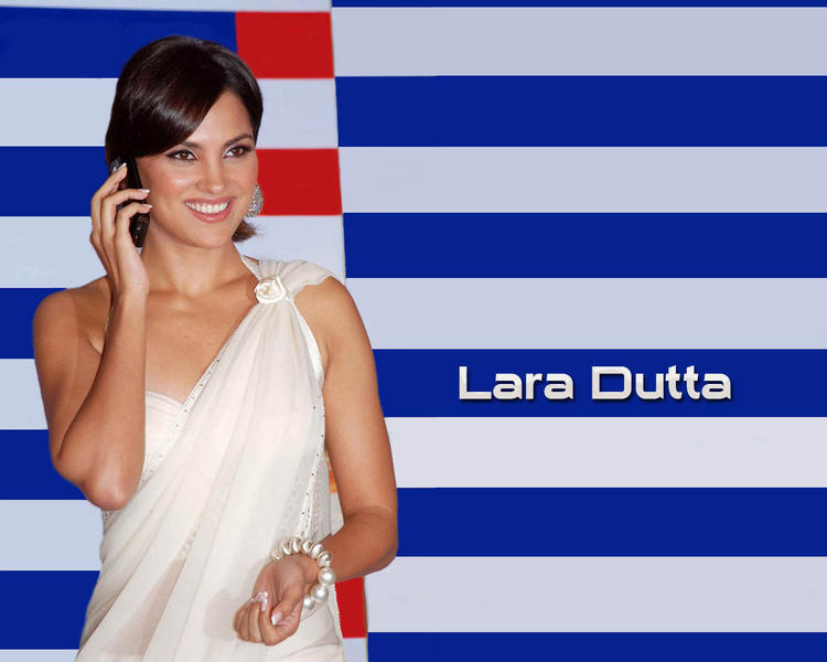 Lara Dutta Best Wallpaper In White Saree