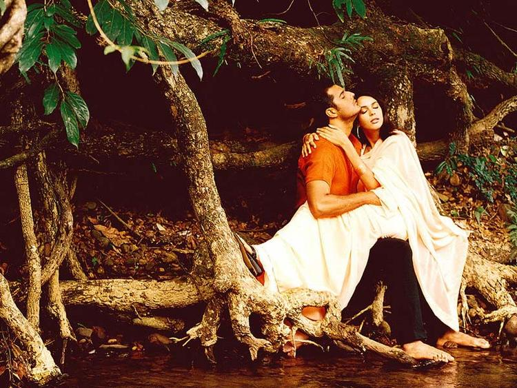 Mallika Sherawat and Himanshu Malik Romancing Pic In Khwahish