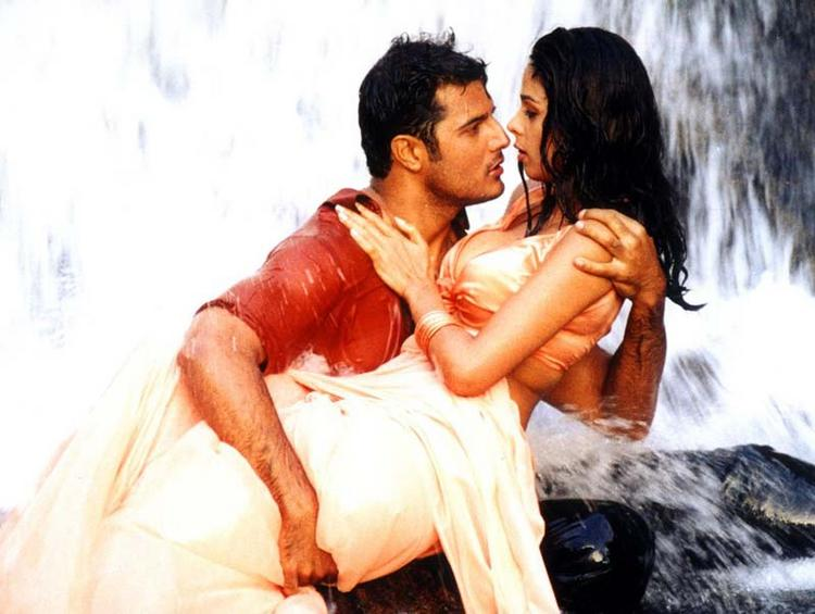 Spicy Mallika Sherawat Hot With Himanshu Malik In Khwahish