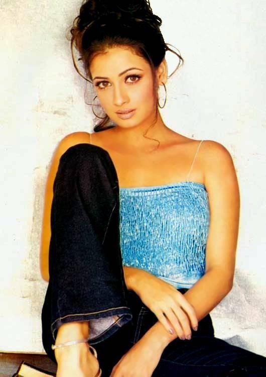 Diya Mirza Hot Look Wallpaper