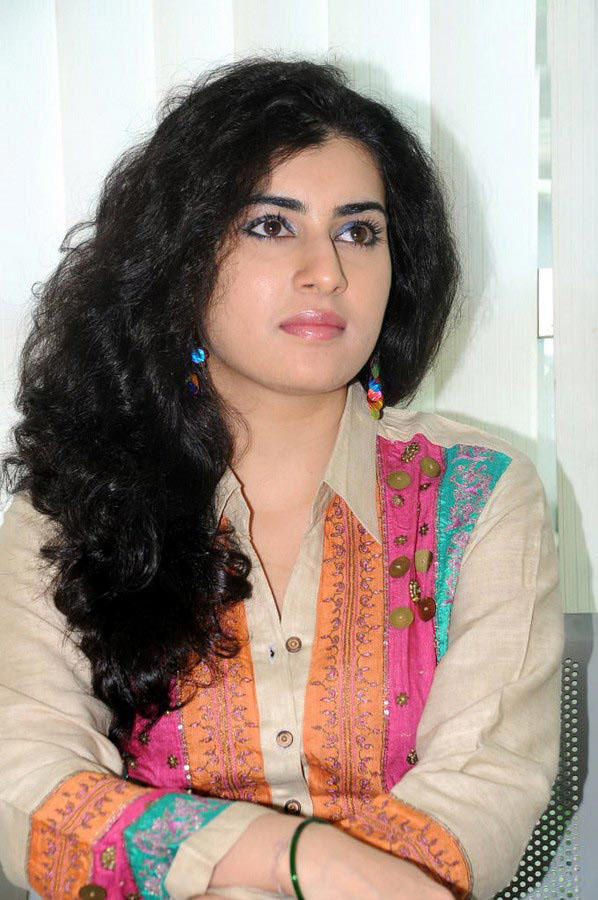 Archana Beautiful And Simple Look Wallpaper