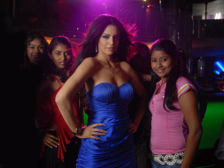 Shweta Bhardwaj Sexy Blue Dress Wallpaper