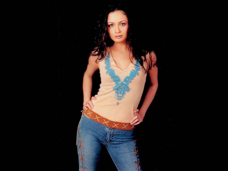 Dia Mirza Sexy Pose Photo Shoot