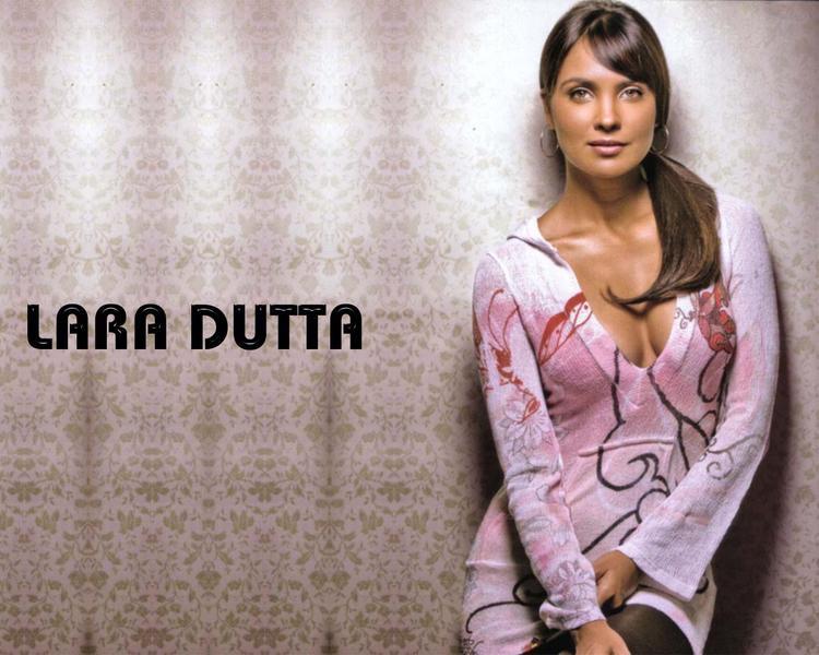 Lara Dutta Bold Look Wallpaper