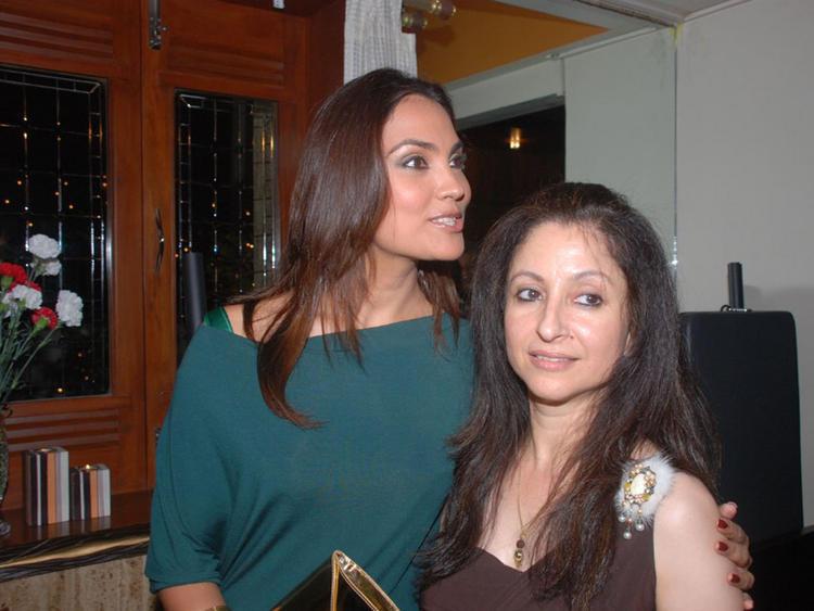 Lara Dutta Cute Face Look Pic