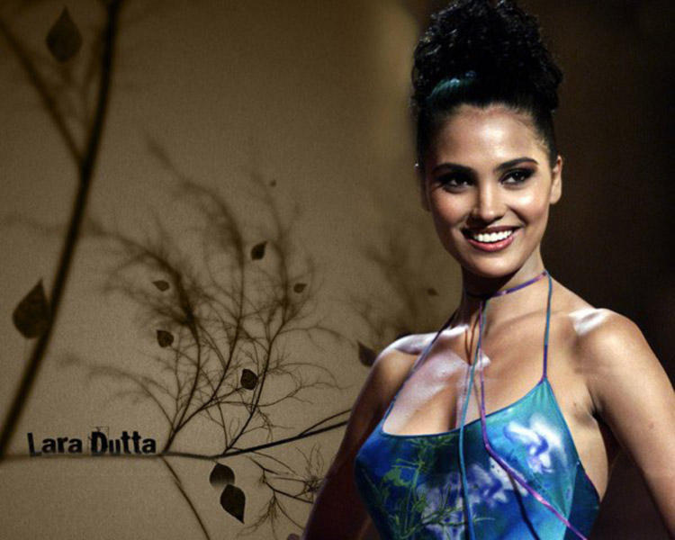Lara Dutta Glamourous Wallpaper