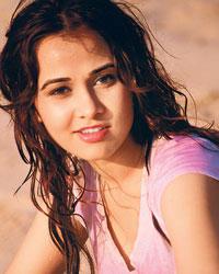 Priyanka Kothari Stunning Face Look Wallpaper