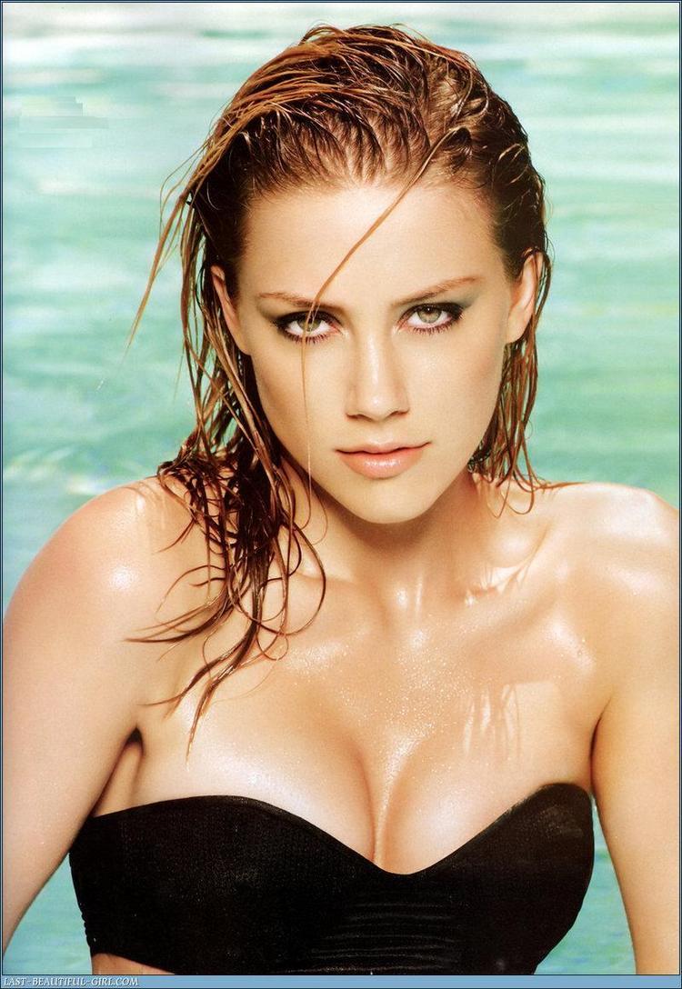 Amber Heard Wet Open Boobs Sexy Pics