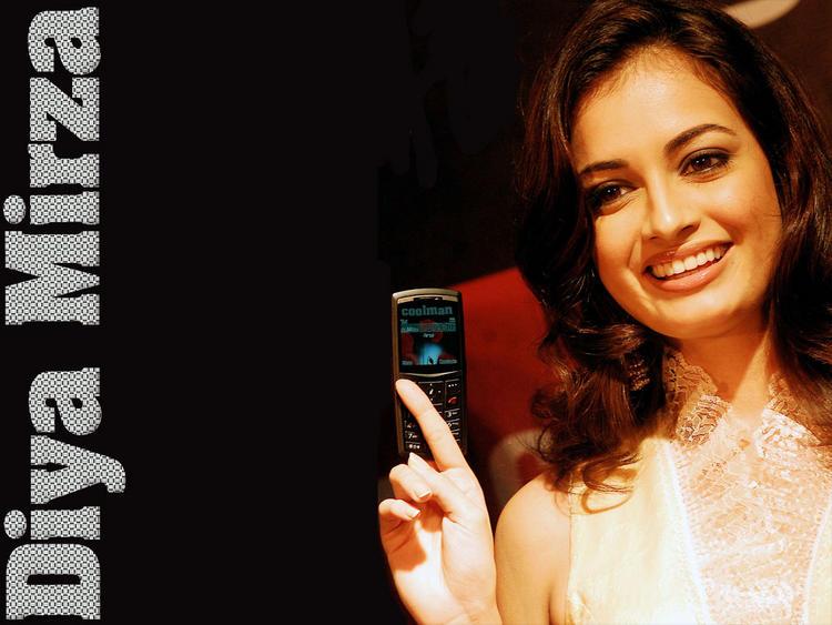 Diya Mirza Mobile Launch Wallpaper