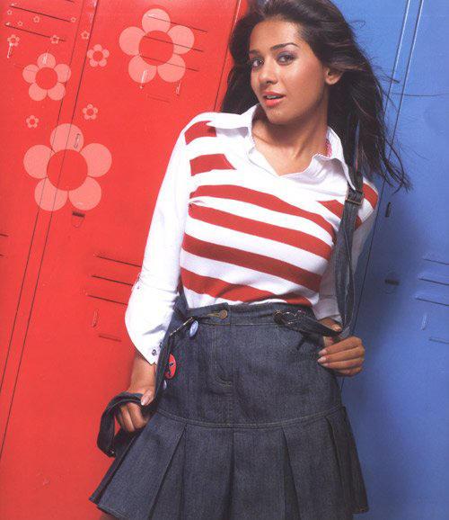 Amrita Rao Cute Dress Sexy Wallpaper