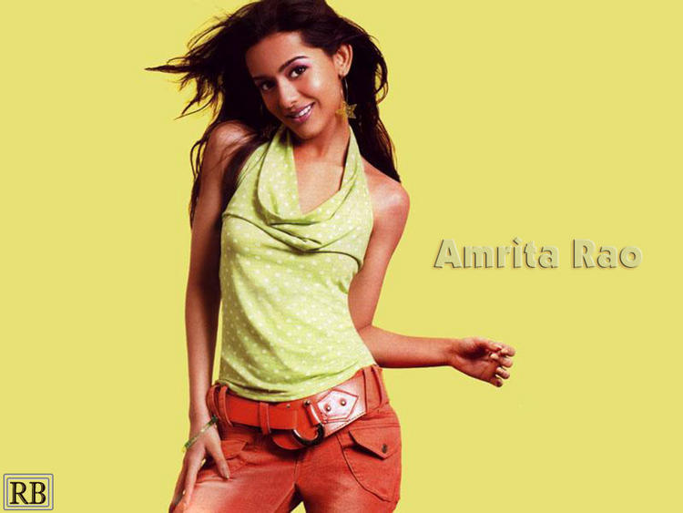 Cute Actress Amrita Rao Sexy Wallpaper