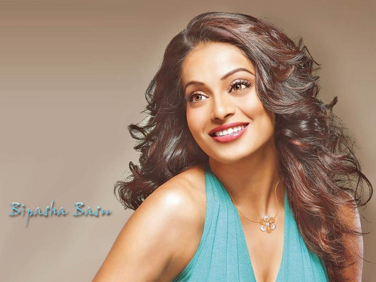 Bipasha Basu Sweet Shinny Face Look Still