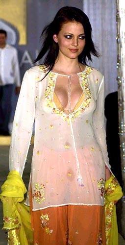 Yana Gupta Open Boob Sexy Still