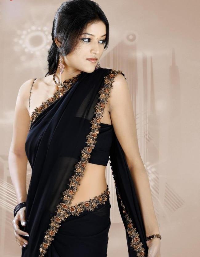 Roopali Black Saree Hot Wallpaper