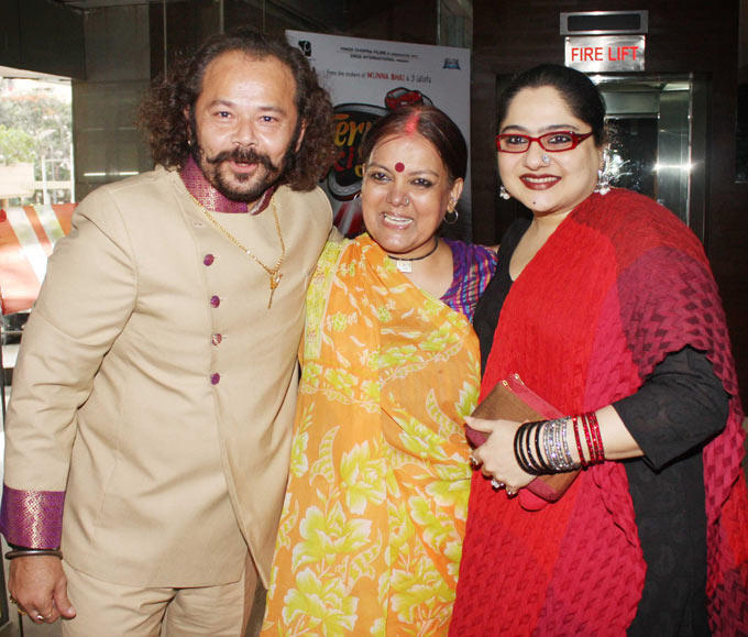 Shagufta,Raj Zutshi and Sushmita at The Premiere Of Madhubala