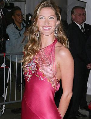 Gisele Bundchen Gorgeous Smile Pic