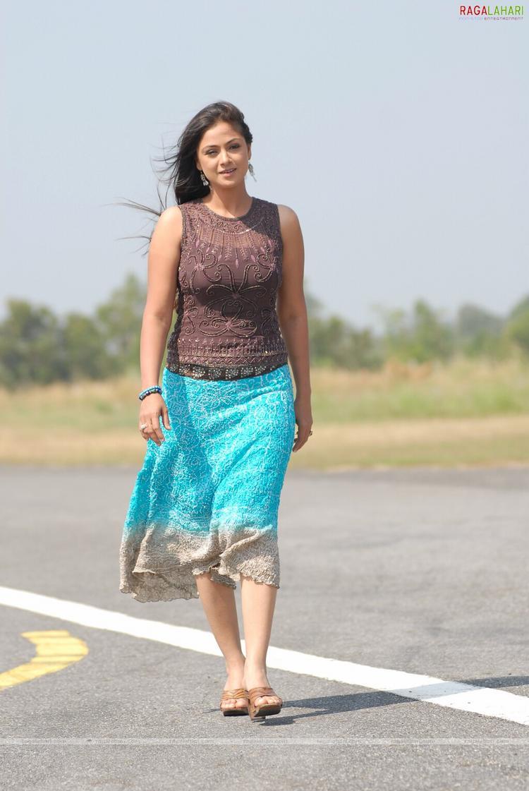 Simran Hot And Glamour Look Pics