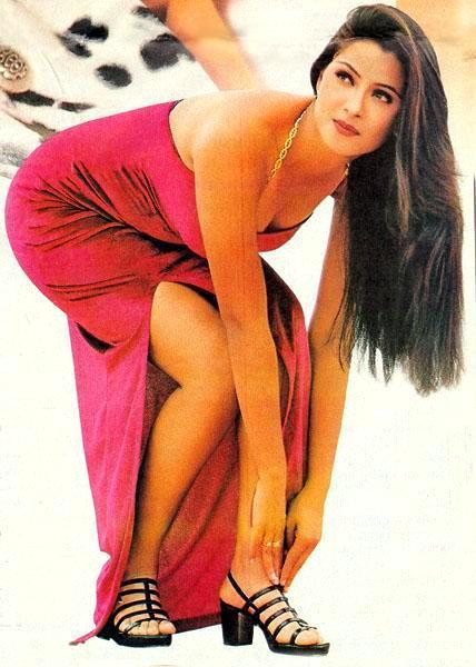 Simran Sexy Legs And Arms Expose Wallpaper