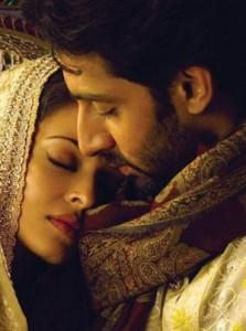 Abhishek and Aishwarya Romance Pic In Umrao Jaan
