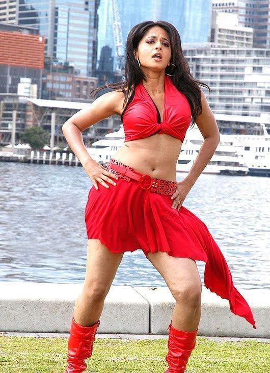 Anushka Hot Navel Pic In Red Skrit
